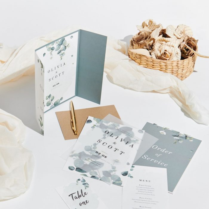 crate your own wedding invitations